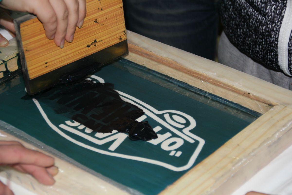 专业丝印加工各种背包,手袋,环保袋,转印纸,pvc胶