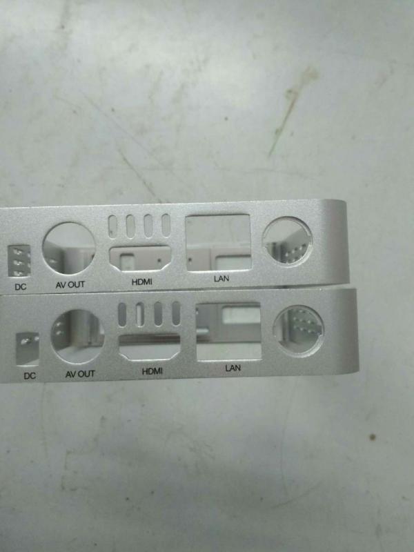 氧化铝路由器中框丝印