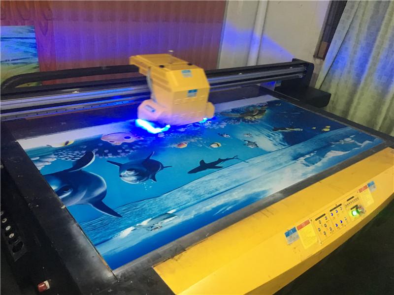亚克力标牌万能打印机凭什么卖那么贵